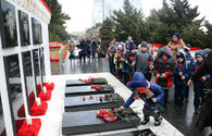 "Azerbaijanis honor January 20 tragedy victims <span class=""color_red"">[PHOTO]</span>"