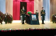 Army bids farewell to brave soldier in Baku
