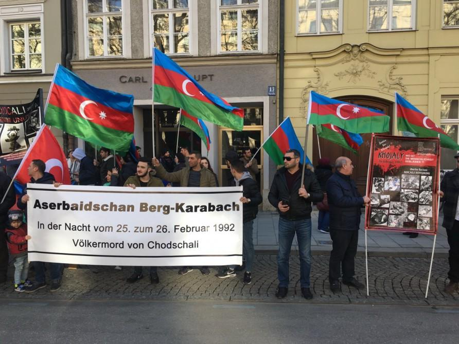 Azerbaijanis Hold Protest Rally On Khojaly Genocide Photo