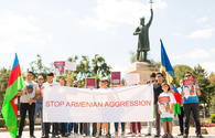 Azerbaijanis hold protest in front of Armenian embassy in Moldova