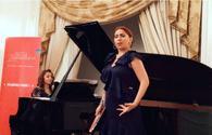 "Azerbaijan's opera singer fascinates Parisians <span class=""color_red"">[PHOTO]</span>"