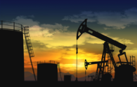Oil prices fall against data on oil reserves in U.S.
