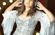 """Indian pop star addresses her fans in Baku <span class=""""color_red"""">[PHOTO/VIDEO]</span>"""