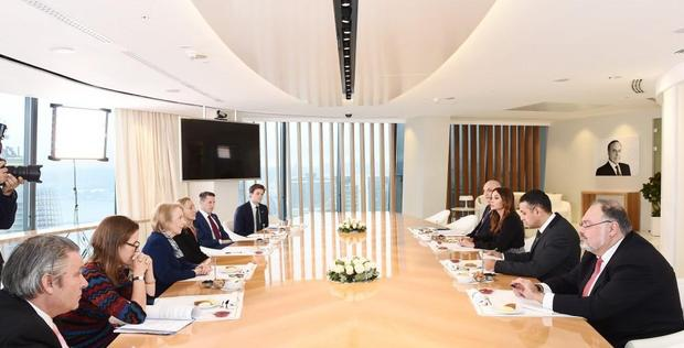 """First VP Mehriban Aliyeva meets with UK Minister of State for Trade and Export Promotion <span class=""""color_red"""">[PHOTO]</span>"""