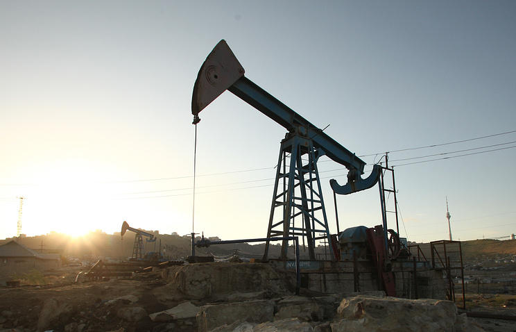 United States  oil output to surpass record earlier than expected