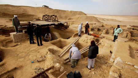 Archaeologists unearth two 4000-year-old buildings in Egypt