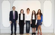 "First VP Mehriban Aliyeva meets with young inventors <span class=""color_red"">[PHOTO]</span>"