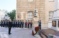 President Aliyev visits memorial in honor of Azerbaijan Democratic Republic