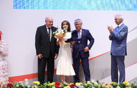 "Nargiz Pashayeva presented Stars of Commonwealth award <span class=""color_red"">[PHOTO]</span>"