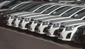 "GM Uzbekistan sells 100 cars via ""Open air car showrooms"""