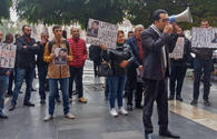 Armenians protest against new authorities