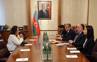 Azerbaijani FM receives outgoing charge d'affaires of Columbia