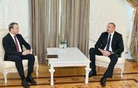 "President Aliyev receives delegation led by FIDE president <span class=""color_red"">[PHOTO]</span>"