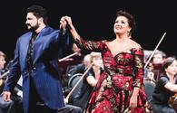 Opera starts to perform at Vienna Opera Ball