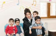 "First VP Mehriban Aliyeva meets residents of orphanage #1 in Baku <span class=""color_red"">[PHOTO]</span>"