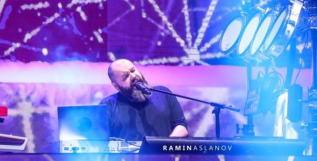 """Russian songwriter stuns music lovers <span class=""""color_red"""">[PHOTO/VIDEO]</span>"""