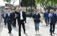 "President Ilham Aliyev, First Lady Mehriban Aliyeva toured Seaside National Park <span class=""color_red"">[PHOTO]</span>"