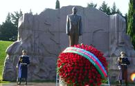 "Azerbaijani public reveres memory of great leader Heydar Aliyev <span class=""color_red"">[PHOTO]</span>"