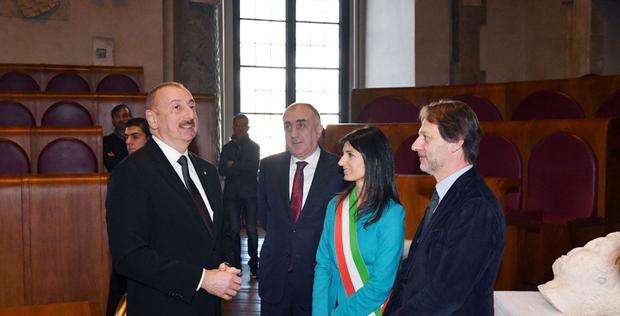 "President Ilham Aliyev meets mayor of Rome <span class=""color_red"">[PHOTO]</span>"