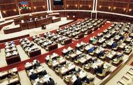 Azerbaijani MPs to sit no less than 2 meters apart at parliament's session