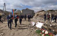 "Israel's ambassador to Azerbaijan visits Ganja, witnesses damages following Armenia's attack <span class=""color_red"">[PHOTO]</span>"