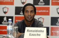 "Ronaldinho: I would like to send a hug to all people from Azerbaijan! <span class=""color_red"">[VIDEO]</span>"