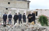 Int'l delegations visit Armenian war crime scene in Ganja