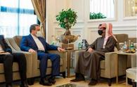 Iran's Deputy FM discusses regional issues with Qatari FM, defense minister