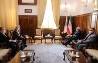 Iran-Azerbaijan railway lines and border opportunities should be activated - Zarif