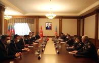 "Azerbaijani defense minister meets high-ranking delegation from Turkey <span class=""color_red"">[PHOTO]</span>"