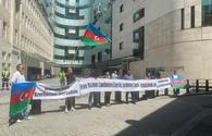 Azerbaijanis picket BBC office over journalists' killing in Armenian mine blast