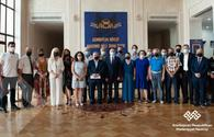 Culture Minister meets theater workers