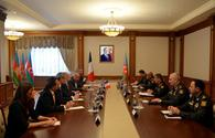 """Azerbaijani MoD discusses mine clearing in liberated territories with French delegation <span class=""""color_red"""">[PHOTO]</span>"""