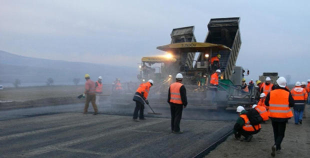 President Ilham Aliyev allocates additional funds for construction of highway in Saatli